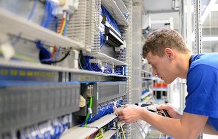 montaż urządzeń i układów automatyki - montażysta
